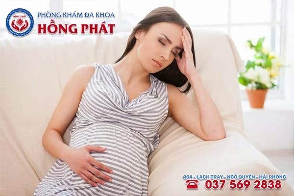 Trĩ ngoại ở bà bầu nếu không điều trị sẽ ảnh hưởng xấu đến sức khỏe của mẹ và thai nhi