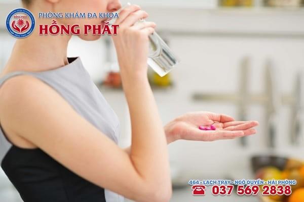 Cẩn thận khi dùng thuốc giảm đau bụng kinh mofen 400