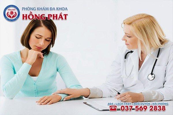 Cần đến gặp bác sĩ chuyên khoa ngay khi bị kinh nguyệt không đều ra máu đen