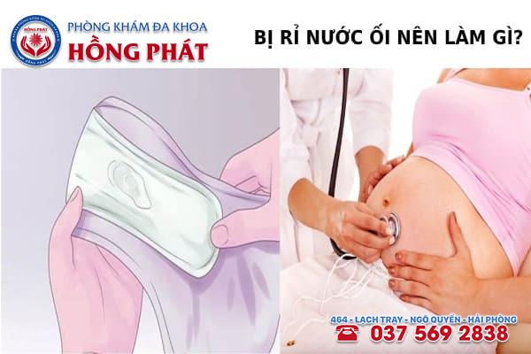 Khi bị rỉ nước ối sớm mẹ bầu nên đến gặp bác sĩ để thăm khám
