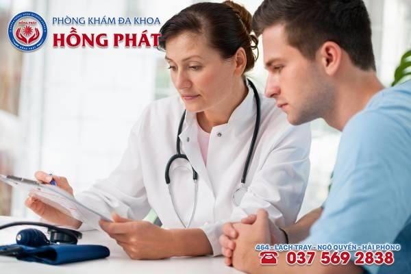 Bác sĩ tư vấn, hướng dẫn cách chăm sóc sau liệu trình điều trị