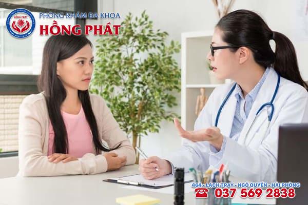 Khi có dấu hiệu sảy thai nữ giới nên đến gặp bác sĩ để thăm khám và kiểm tra