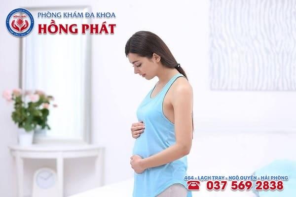 Bệnh viêm buồng trứng ảnh hưởng đến khả năng mang thai tự nhiên ở nữ giới