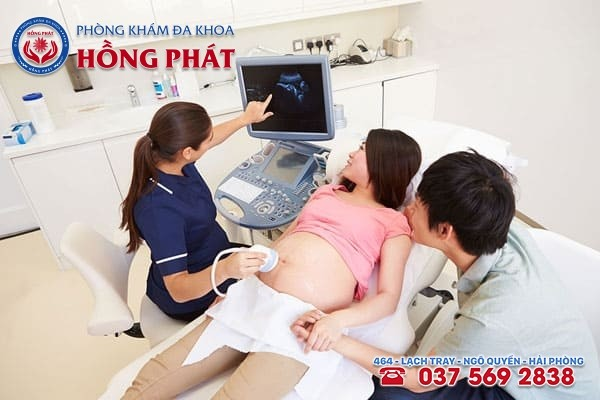 Nên đến gặp bác sĩ siêu âm, xét nghiệm để chẩn đoán có thai chính xác