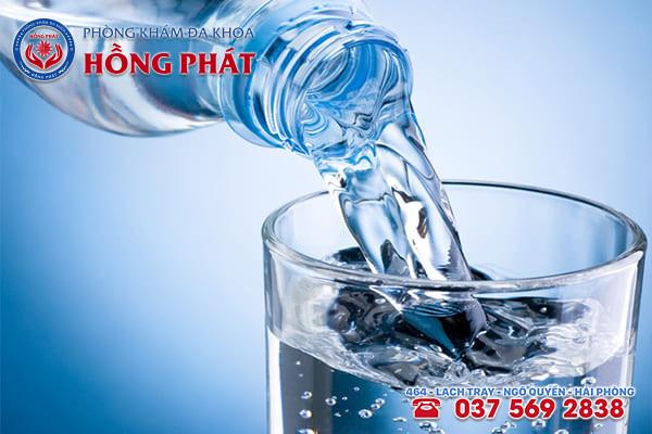 Cách phòng tránh bệnh tốt nhất là uống đủ nước mỗi ngày