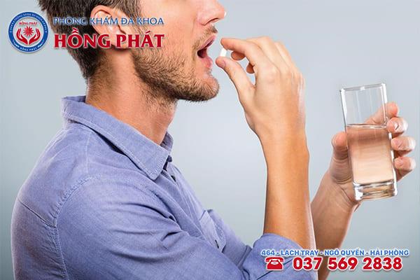 Dùng thuốc chữa viêm tuyến tiền liệt cần uống đúng liều lượng